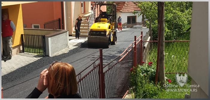Asfaltiran krak Ulice Tadije Andrića