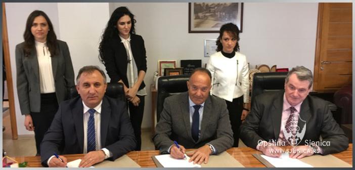 Sporazum o zajedničkom ulaganju opštine Sjenica i Ministarstva prosvete, nauke i tehnološkog razvoja (FOTO)