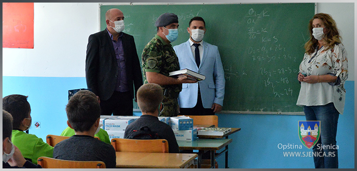 Vojska Srbije pomaže đacima u seoskim školama na Pešteru (VIDEO)