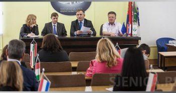 Predstavnici ambasada zemalja EU posetili Sjenicu