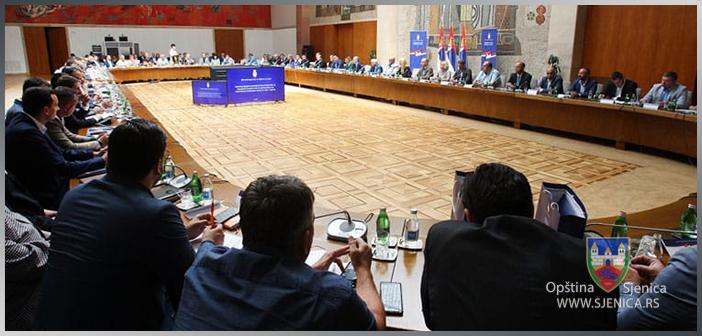 Predsjenik SO Sjenica na sastanku sa Ministrom Krkobabićem i predstavnicima lokalnih samouprava
